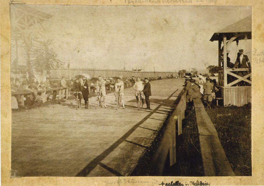 Foto der Radrennbahn