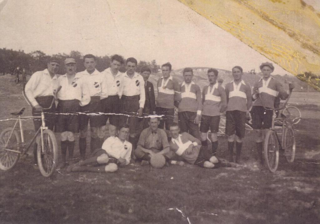 Gruppenportrait Radballmannschaft 1930